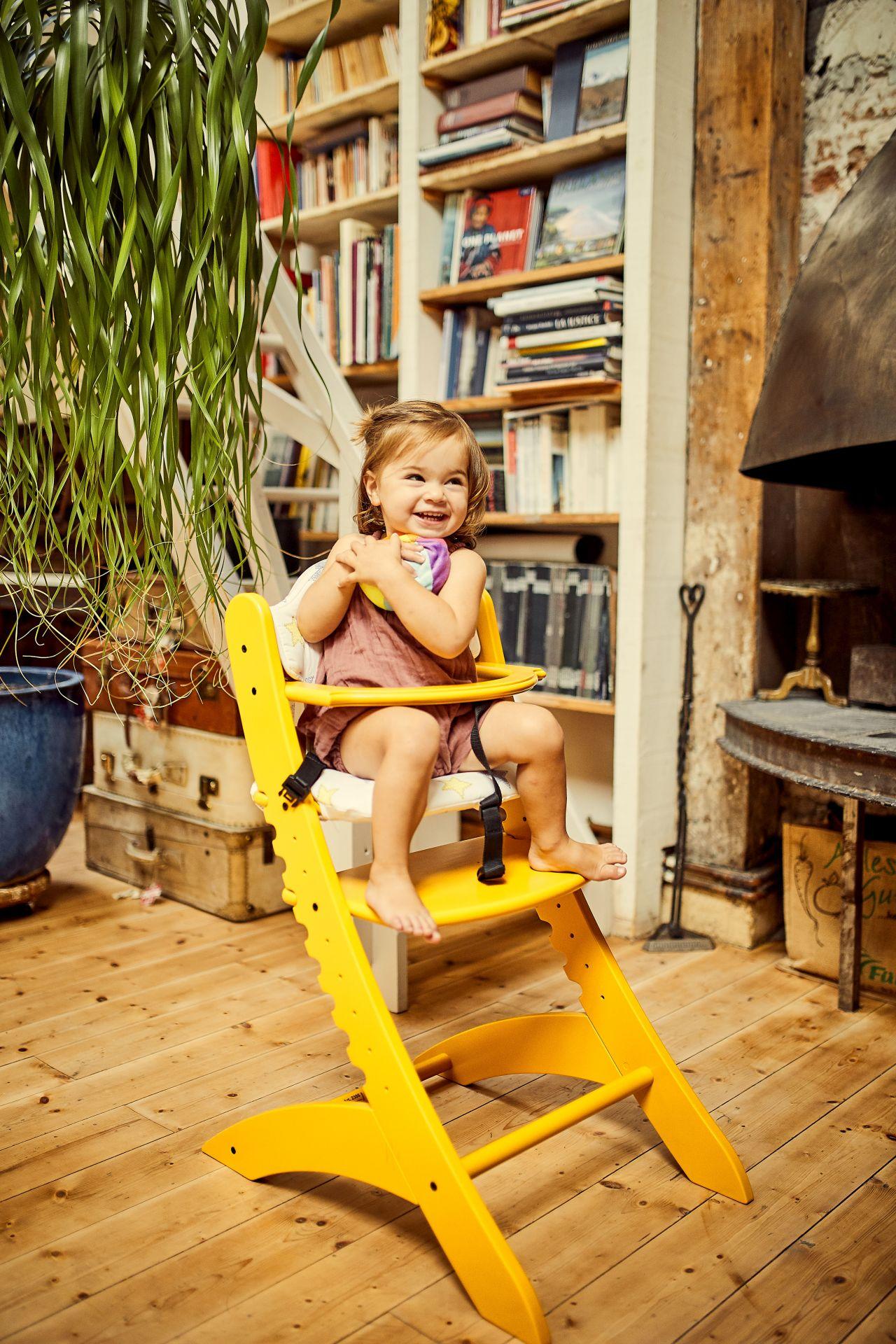 inklusive Essbrett Bunt Holz Geuther Kinder und Babys mitwachsender Hochstuhl Family mit Schrittgurt T/ÜV gepr/üft